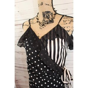Dresses & Skirts - NWT Striped Romper Wrap Size Small